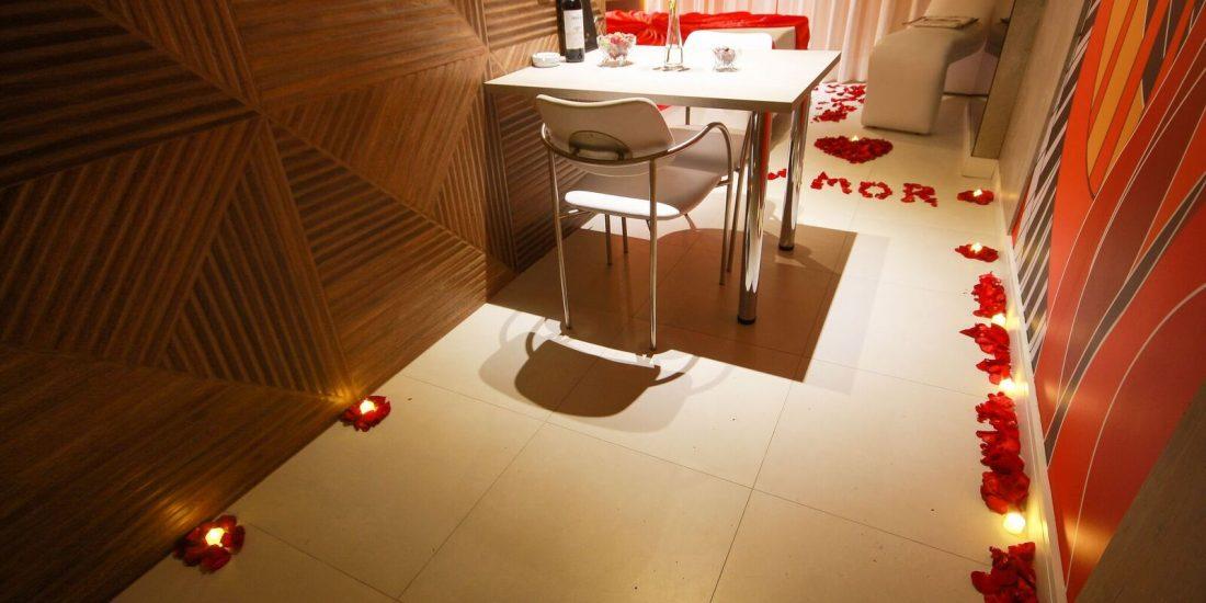 Conheça o Pacote de decoração do Absolut Motel. Corra e garanta a sua reserva!