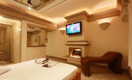 img-suite-hidro-c-garagem-ambiente-absolut-motel