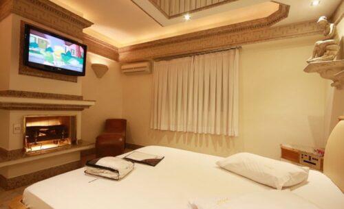 img-suite-hidro-c-garagem-tv-absolut-motel