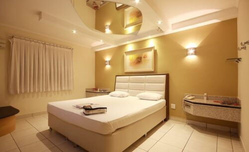 img-suite-pole-dance-cama-absolut-motel